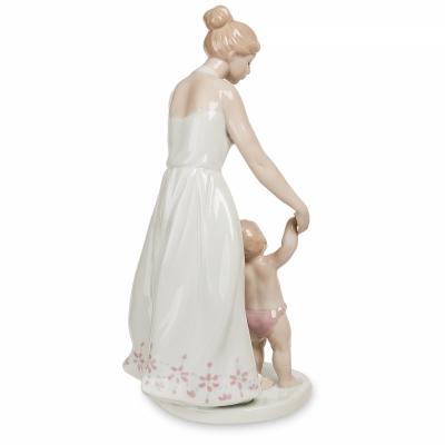 статуэтка первые шаги (pavone)