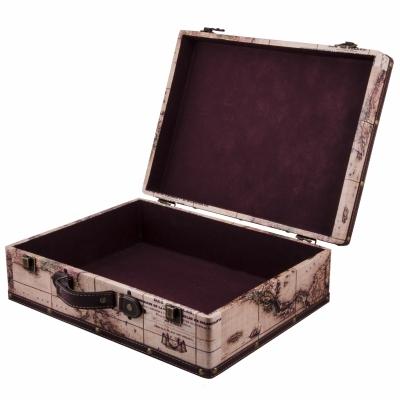 чемодан для хранения вещей