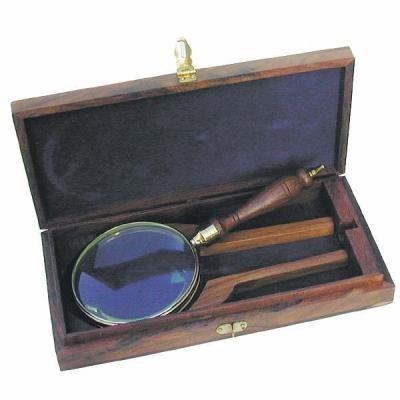 Лупа с деревянной ручкой в шкатулке