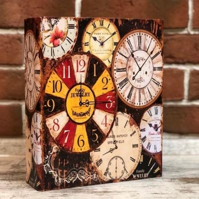 Шкатулка в виде книги Часы
