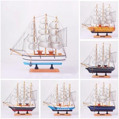 Деревянный корабль с парусами 20см