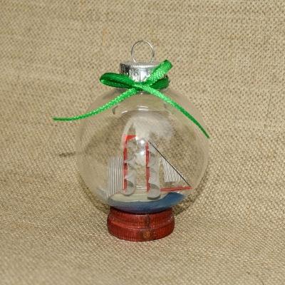 Парусник в шаре новогоднем на подставке