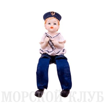 морячок с подзорной трубой