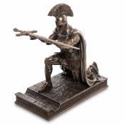 Статуэтка с ножом канцелярским Римский воин