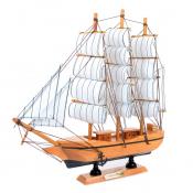 Модель парусника из дерева