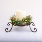 Подсвечник металлический на фигурных ножках со свечой и декором