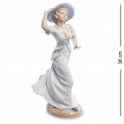 Статуэтка Девушка Дуновение Ветра (Pavone)
