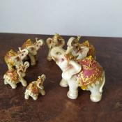 Набор фигурок Семь слонов в красных попонах